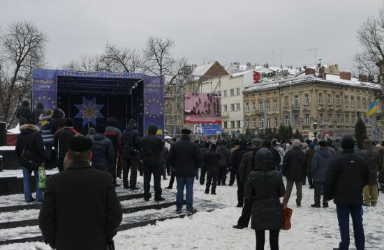 \'Euromaidan\' in Lviv with livestream of events in Kiev